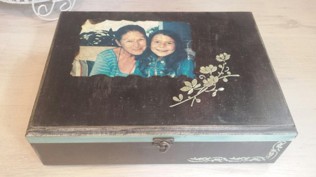 Семеен подарък баба и внуче