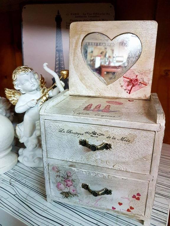 Скринче за бижута LOve ,Angels ,Paris and Venice