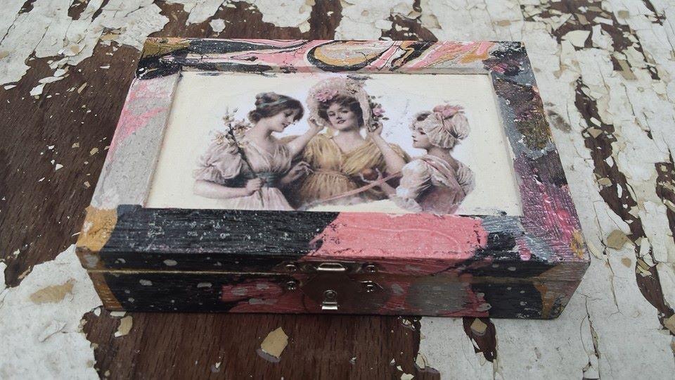 Малка кутия за бижута с 4 разделения Friends